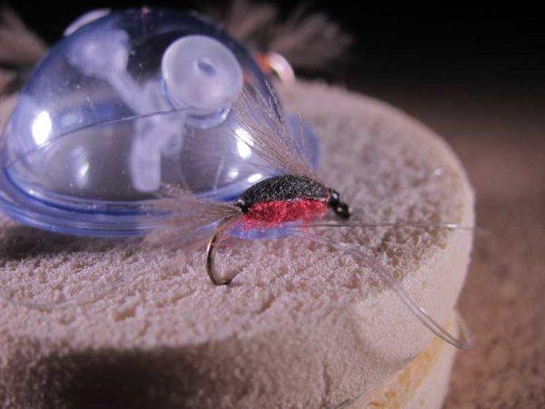 Cuerda de ninfas emergentes idóneas para la pesca de la trucha durante la primavera y el verano.